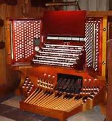 The awe-inspiring 5-manual moveable console of St Bart's Aeolian-Skinner organ: the instrument is the largest in New York City